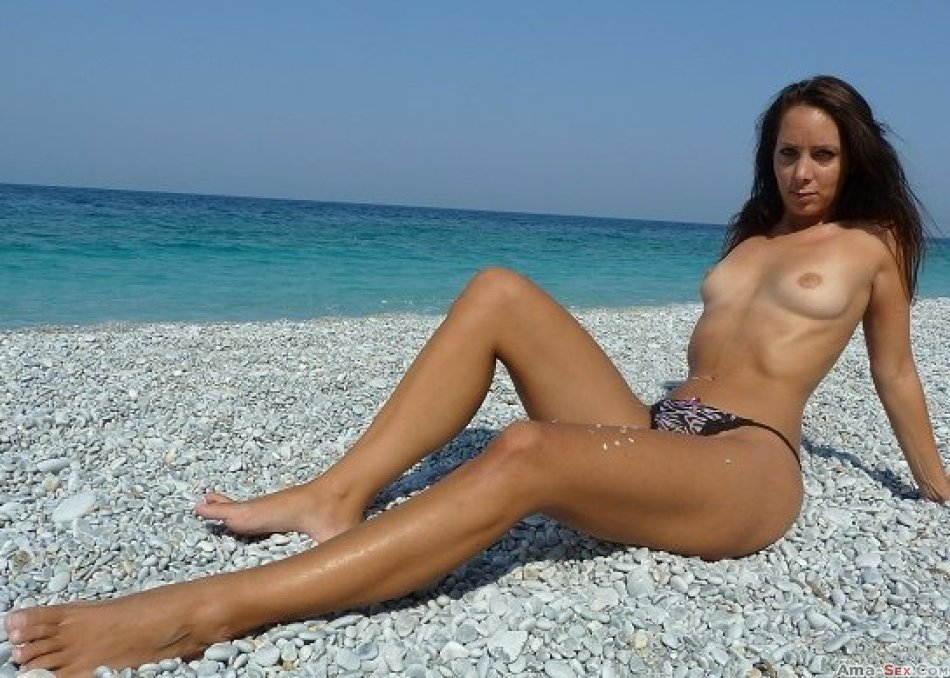 Annabel-Massina zeigt ihre Titten